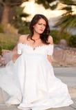 Traurige Braut, die auf der Kandare sitzt Stockfotos