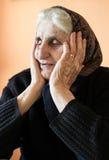 Traurige einsame Großmutter stockbild