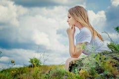Traurige Frau stockfotos