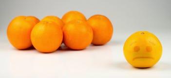 Traurige getrennte gelbliche Orange stockfotos