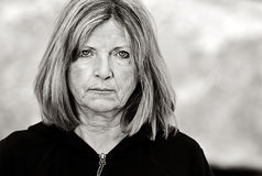Traurige ältere Dame Stockfotografie