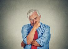 Trauriger besorgter älterer Geschäftsmann der Nahaufnahme Lizenzfreies Stockfoto
