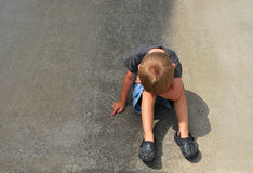 Trauriger Junge lizenzfreies stockfoto
