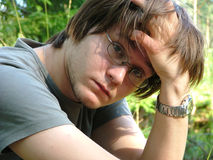 Trauriger junger Mann Lizenzfreie Stockfotografie