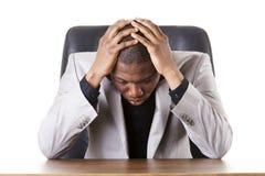 Trauriger, müder oder deprimierter Geschäftsmann Lizenzfreie Stockfotos