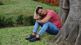 Trauriger müder oder deprimierter Mann Lizenzfreies Stockfoto