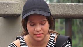 Trauriger oder deprimierter weiblicher jugendlich Student Lizenzfreies Stockbild