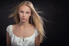 Trauriges blondes Mädchen Stockbild