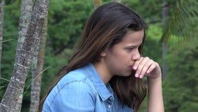 Trauriges jugendlich Mädchen oder deprimierte Person Stockfotografie