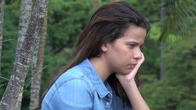 Trauriges jugendlich Mädchen oder deprimierte Person Stockbild