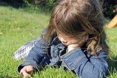 Trauriges junges Kind Lizenzfreie Stockfotos
