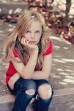 Trauriges junges Mädchen lizenzfreie stockfotos