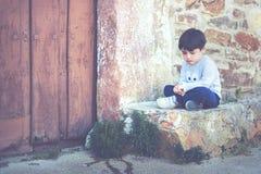 Trauriges Kind Stockfoto