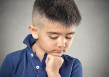 Trauriges Little Boy Lizenzfreies Stockbild