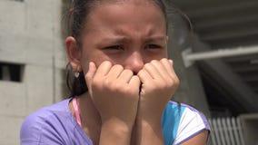Trauriges Mädchen, deprimierte Jugend, Gefühle stock footage
