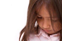 Trauriges, müdes, deprimiertes kleines Mädchen Lizenzfreies Stockbild