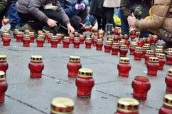 Trauriges Maidan gefüllt mit Erinnerungskerzen Stockfoto