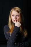 Trauriges Schreien des blonden Haares des jungen Mädchens Lizenzfreies Stockbild