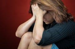 Trauriges und hoffnungsloses Frauenschreien Stockbild