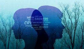 Trauriges Verhältnis im Paar-Konzept, vorhanden durch deprimierte Benennung Stockfoto