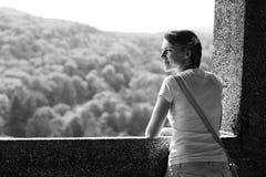 A través de la ventana del castillo Imagen de archivo libre de regalías