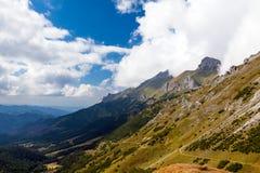 A través de las montañas Fotografía de archivo libre de regalías