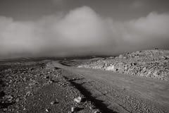 A través del desierto Imágenes de archivo libres de regalías