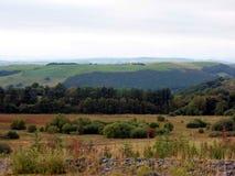 A través del valle - paisaje de la ladera Galés Imágenes de archivo libres de regalías