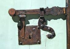Trava de porta antiga do metal Fotografia de Stock Royalty Free