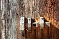 Trava de porta de madeira primitiva fotografia de stock