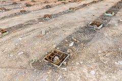 Trava och stålstång, innan att hälla betong för styrka i vikt fotografering för bildbyråer