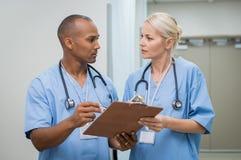 Travail à l'hôpital photo libre de droits