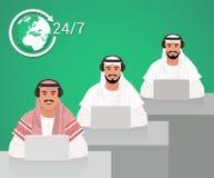 Travail arabe d'hommes à un centre d'appels illustration stock