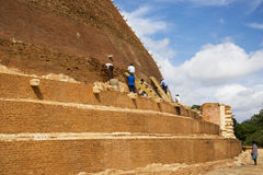 Travail archéologique d'économie, Sri Lanka Photos stock