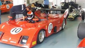 Travail aux boîtes à la course historique de voiture de sport Image libre de droits