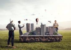 Travail créatif de groupe d'architecte Media mélangé photos libres de droits
