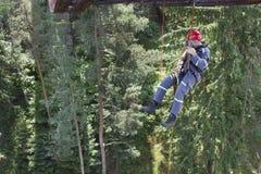 Travail d'altitude de formation sur le vieux pont de chemin de fer Photos libres de droits