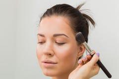 Travail d'artiste de maquillage photos libres de droits