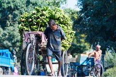 Travail dans Siliguri image libre de droits