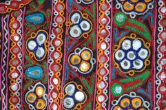 Travail de broderie de Kutchi images stock