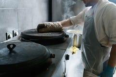 Travail de chef d'espace de travail de cuisine de restaurant de nourriture de rue Photographie stock libre de droits