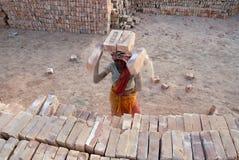 Travail de femme en Inde Photos libres de droits