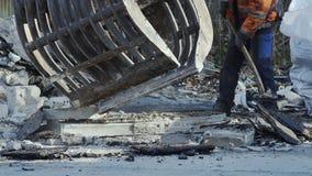 Travail de nettoyage de démolition image libre de droits