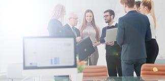 Travail de planification d'équipe d'affaires de Succesfull ensemble Image stock