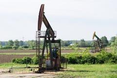 Travail de plates-formes pétrolières dans le domaine Image libre de droits