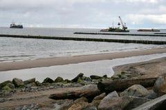 Travail de port - construction d'une marina photographie stock libre de droits