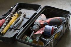 Travail de rénovation électrique, beaucoup d'outils de bricolage Photos stock