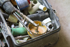 Travail de rénovation électrique, beaucoup d'outils de bricolage Image stock