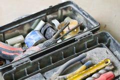 Travail de rénovation électrique, beaucoup d'outils de bricolage Photos libres de droits