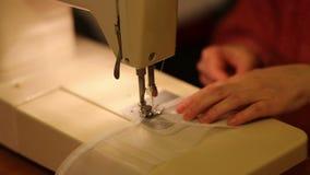 Travail de tailleur. clips vidéos